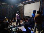 Terciduk, 7 Wanita Pesta Narkoba Bersama 8 Pria di Room Karaoke