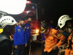 evakuasi korban jatuh di kelok 9. (istimewa)
